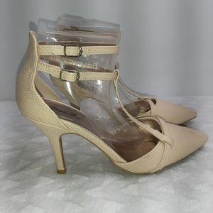 3/$18 Qupid Heels Sz 7 1/2 Nude Creme T-Strap